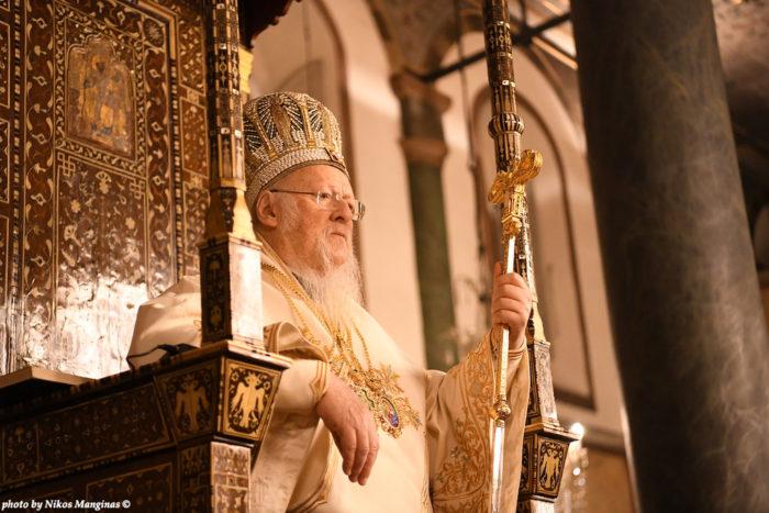 В пасхальную Патриарх Варфоломей совершил богослужение в Соборе святого Георгия на Фанаре