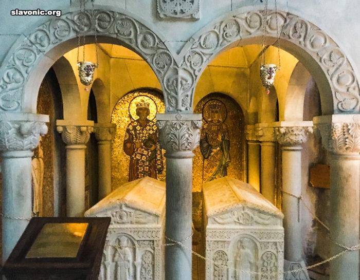 Самтаврийский монастырь. могилы святых царей Мириана и Наны