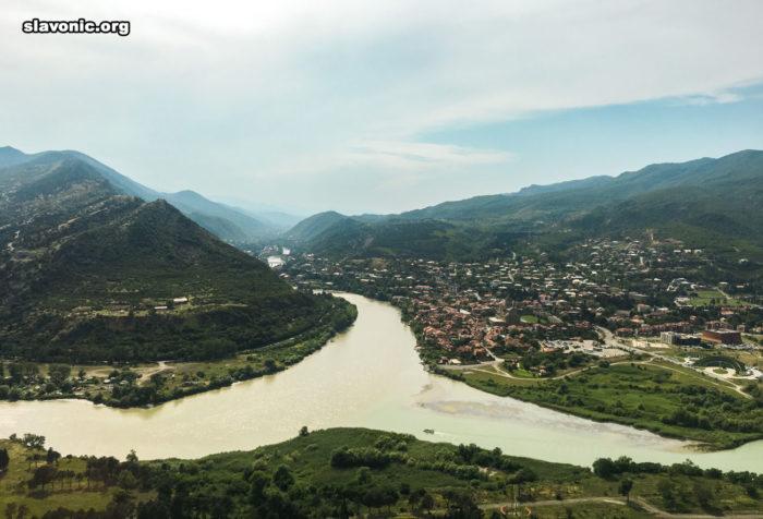 Мцхета. Вид на слияние рек Арагви и Куры