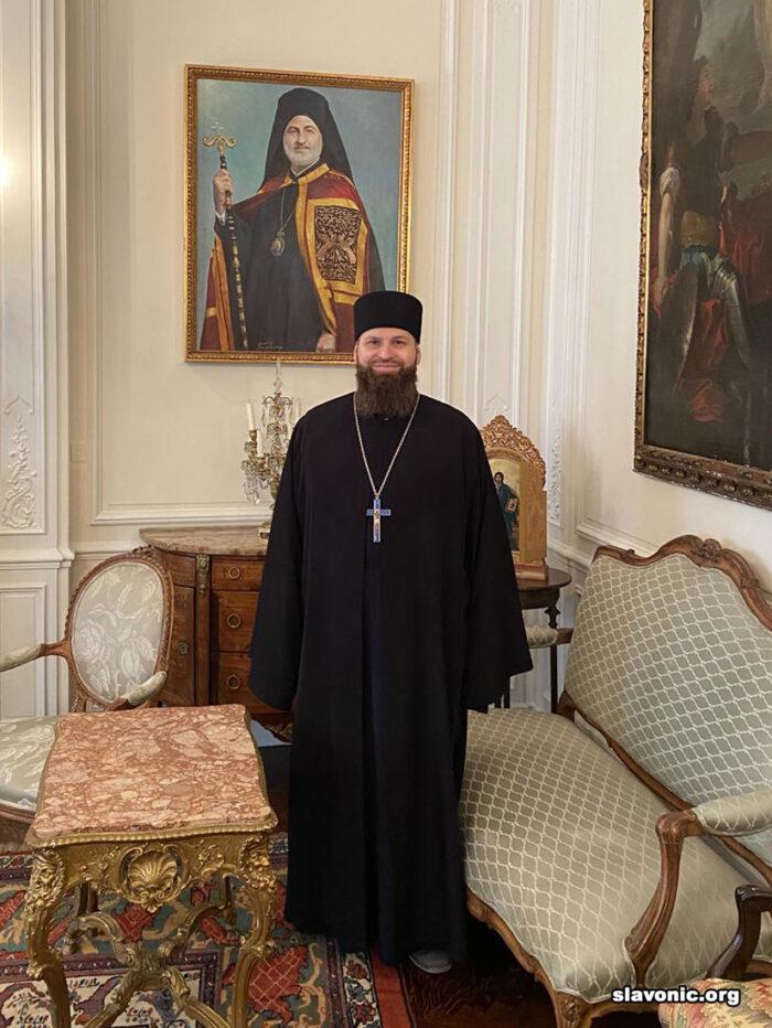 Архиепископ Елпидофор и архимандрит Александр обсудили поточное положение дел в Славянском Викариатстве