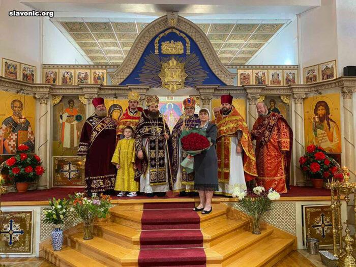 Викарий Славянского Викариатства возглавил малый храмовый праздник Иоанно-Предтеченского Бруклинского собора и поздравил настоятеля с 65-летием